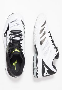 Mizuno - WAVE LIGHTNING Z5 - Volleyball shoes - white/black/safety yellow - 1