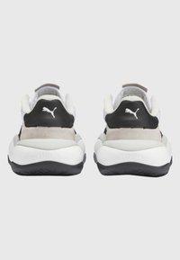 Puma - PUMA ALTERATION KURVE TRAINERS UNISEX - Skate shoes - dark grey - 4