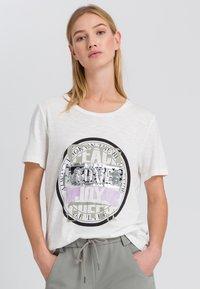Marc Aurel - Print T-shirt - off white varied - 0