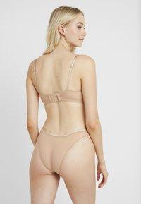 Cosabella - SOIRE CONFIDENCE BRALETTE - Triangle bra - nude - 2