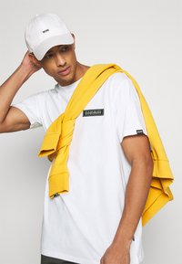 Napapijri The Tribe - PATCH UNISEX - Print T-shirt - bright white - 3