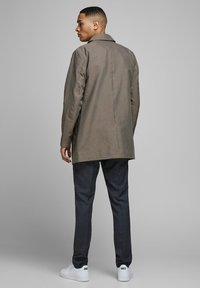 Jack & Jones PREMIUM - Cappotto corto - brown stone - 2