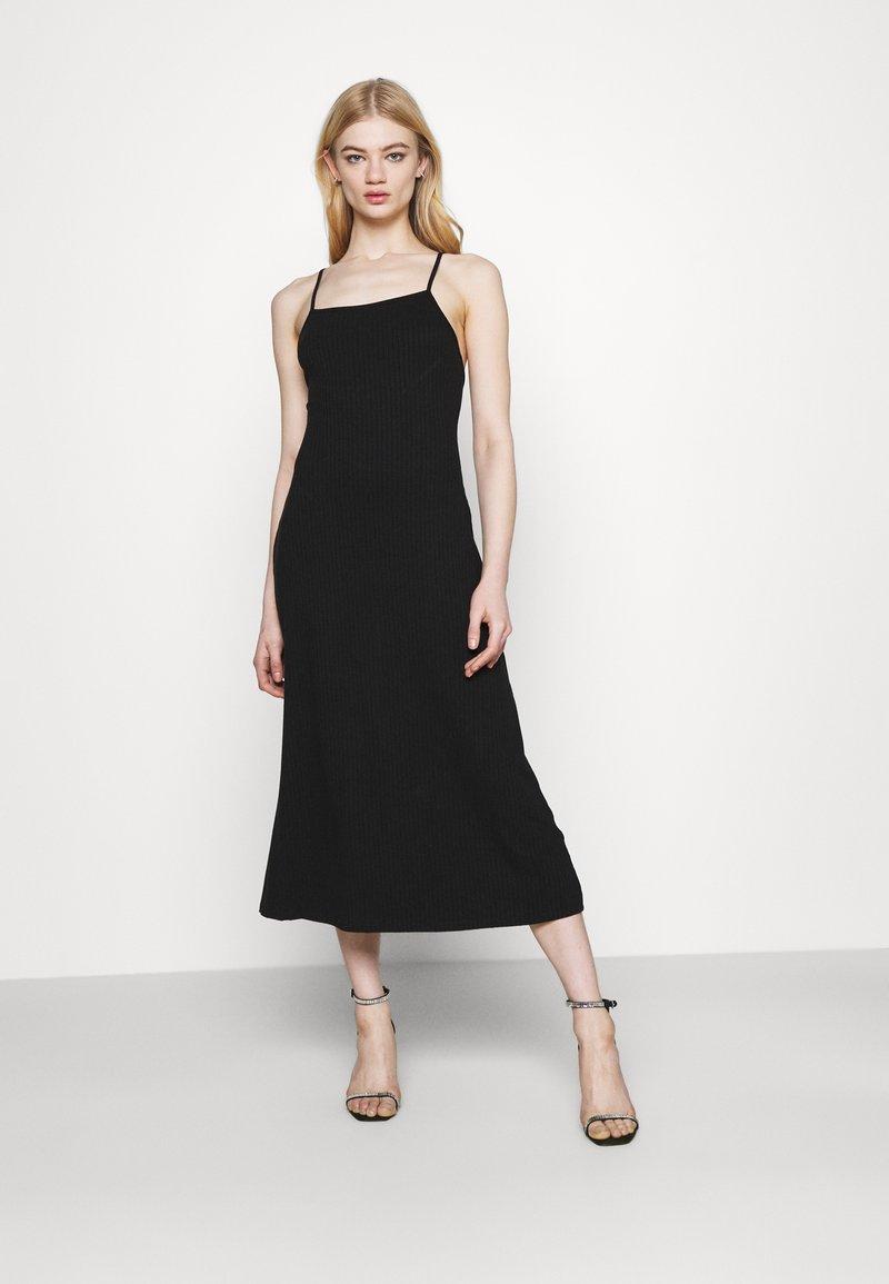Fashion Union - CRAWFORD DRESS - Žerzejové šaty - black