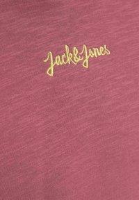 Jack & Jones Junior - Jersey con capucha - hawthorn rose - 6