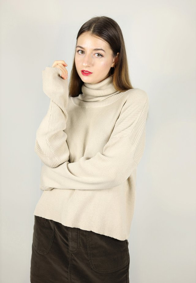 TURTLENECK - Strikkegenser - beige