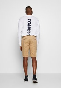 Tommy Jeans - ESSENTIAL - Shorts - tan - 2