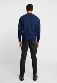 adidas Originals - TREFOIL CREW UNISEX - Sweatshirt - collegiate navy - 2