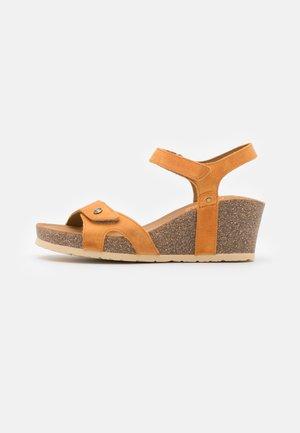 JULIA BASICS  - Sandály na platformě - vintage