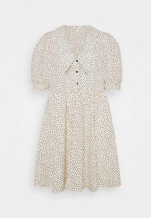 OBJNOUR DRESS - Vestido camisero - sandshell