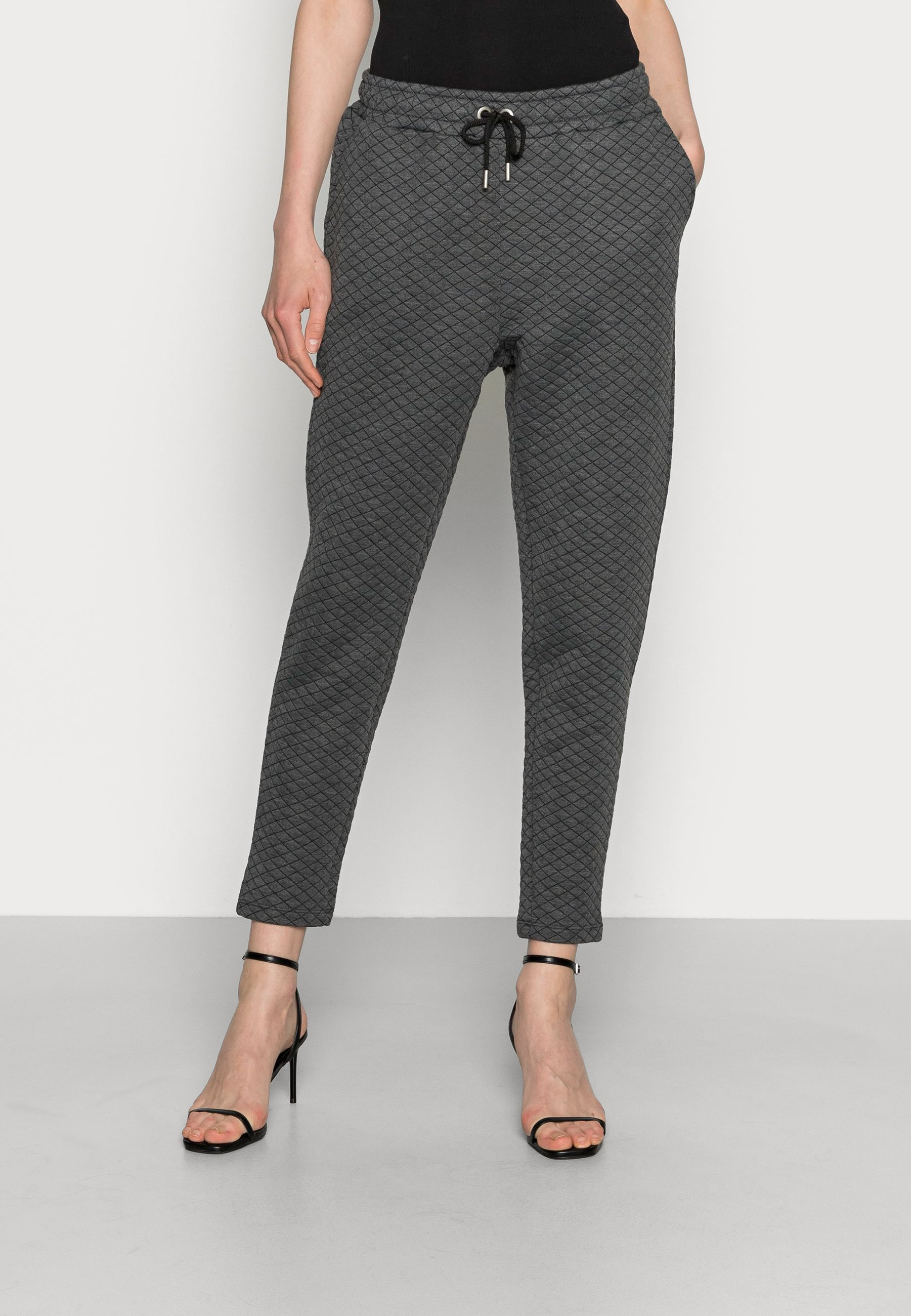 Women JOULYN QUILT PANTS - Tracksuit bottoms