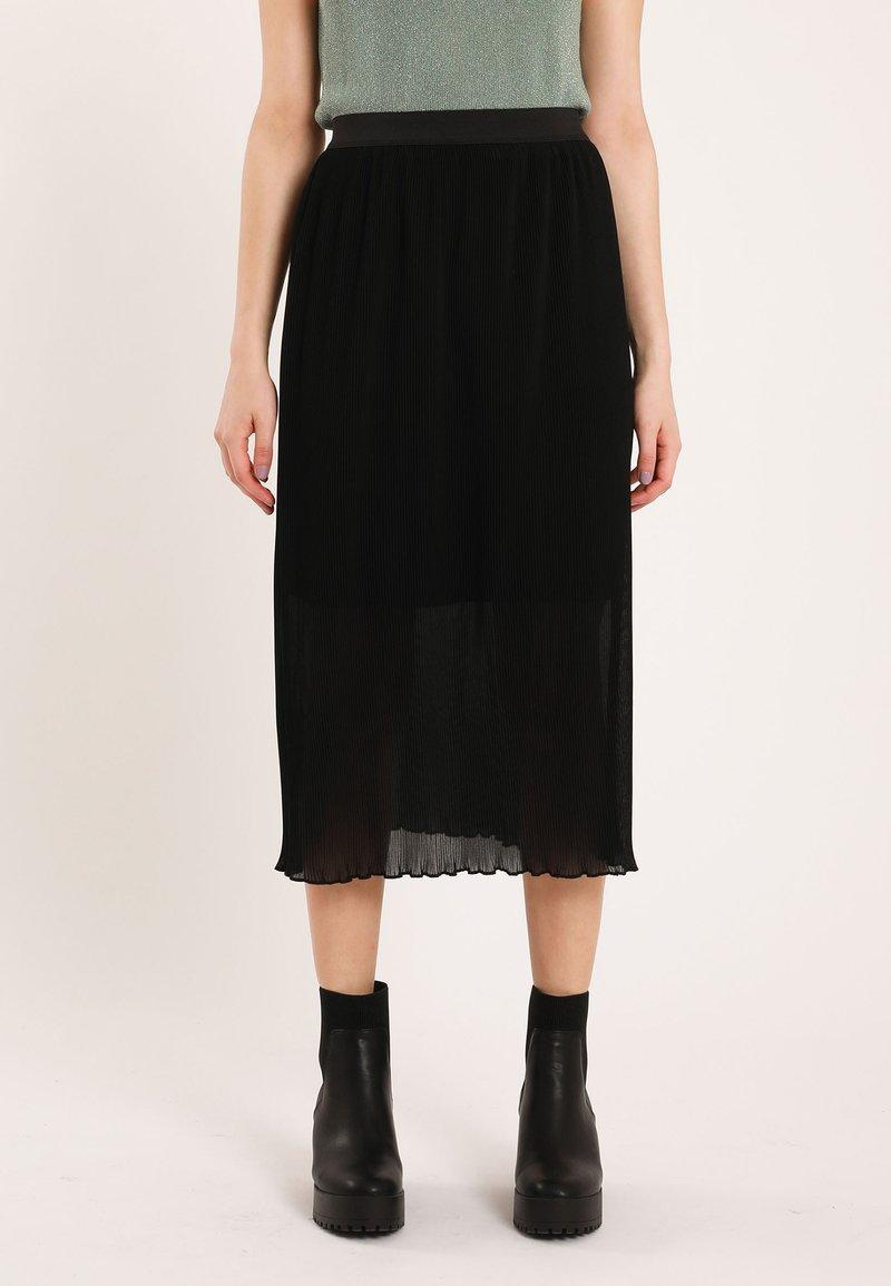 Pimkie - Pleated skirt - schwarz