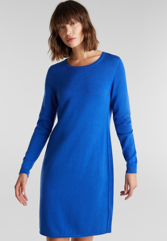 FASHION - Strikkjoler - bright blue