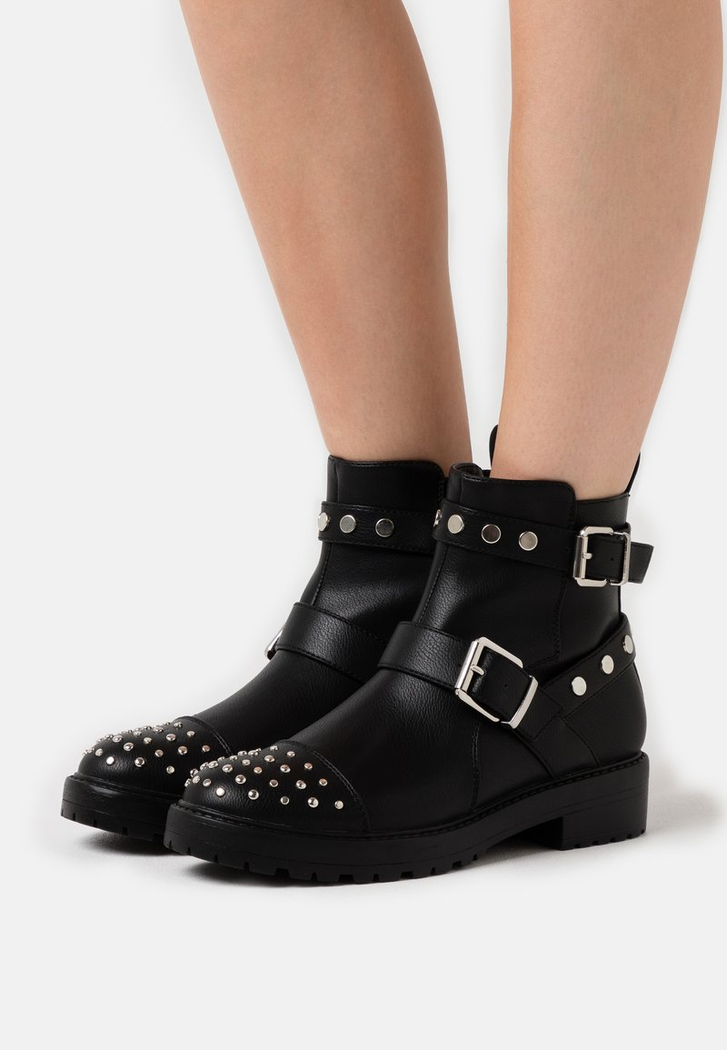 ONLY SHOES - ONLBAD STUD BOOT  - Cowboy/biker ankle boot - black