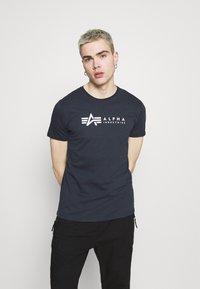Alpha Industries - ALPHA LABEL 2 PACK - Print T-shirt - grey heather/rep blue - 3