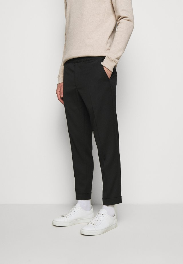 M. TERRY CROPPED TROUSER - Kalhoty - black