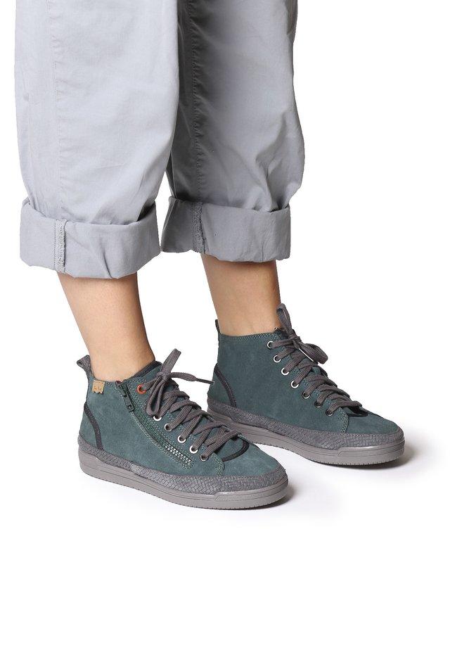 GABY-SY - Boots à talons - verd