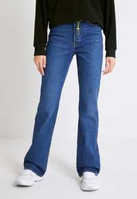 Levi's® - RIBCAGE BOOT - Jeans bootcut - turn up - 0