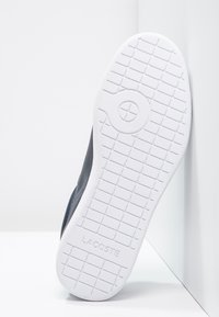 Lacoste - CARNABY - Baskets basses - dunkelblau/weiß - 4