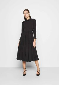 Closet - PLEATED SHIRT DRESS - Shirt dress - black - 0