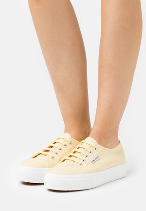 2730 - Trainers - beige