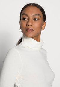 Esprit - LONGSLEEVE ROLLNECK - Long sleeved top - off white - 4
