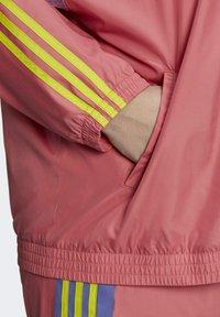 adidas Originals - FAKTEN ORIGINALS JACKE – GROSSE GRÖSSEN - Training jacket - pink - 5