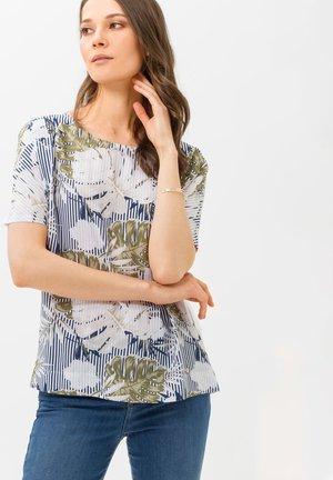 STYLE CAELEN - Print T-shirt - white