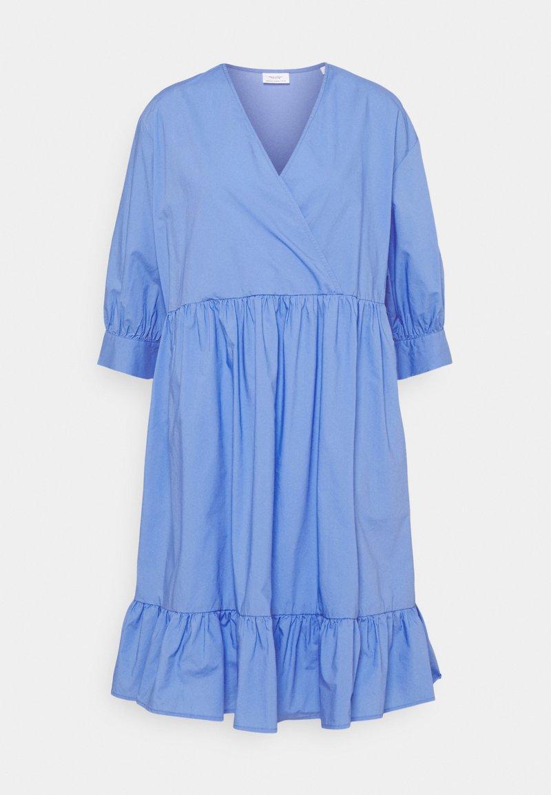 Marc O'Polo DENIM - DRESS WRAP OPTIC RUFFLE HEM - Denní šaty - intense blue