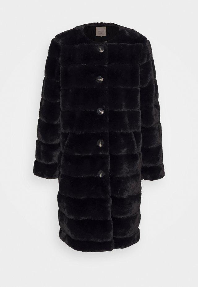 FQFURBY BUTTON - Classic coat - black