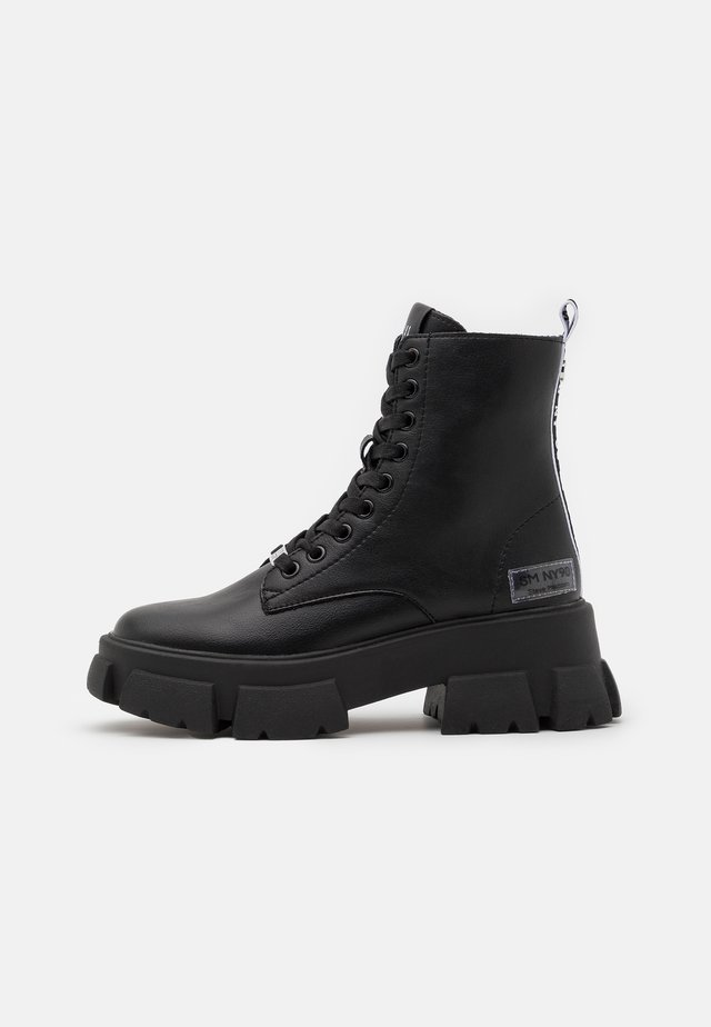 TANKER - Bottines à plateau - black