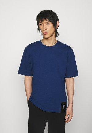 PRO - Camiseta básica - navy peony