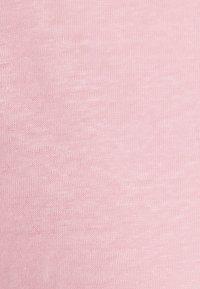 Filippa K - HAZEL TEE - Jednoduché triko - pink candy - 2