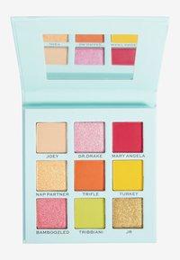 Makeup Revolution - REVOLUTION X FRIENDS JOEY EYESHADOW PALETTE - Eyeshadow palette - multi - 1