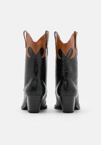 Monki - VEGAN NETTAN BOOT - Cowboy/Biker boots - black dark - 2