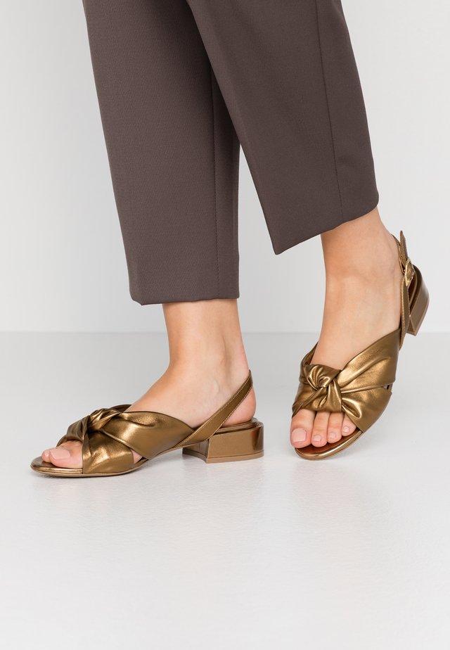 Sandály - metall bronzo