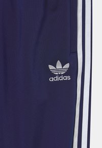 adidas Originals - UNISEX - Pantalon de survêtement - night sky/white - 2