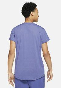 Nike Performance - T-shirt basic - dark purple - 2