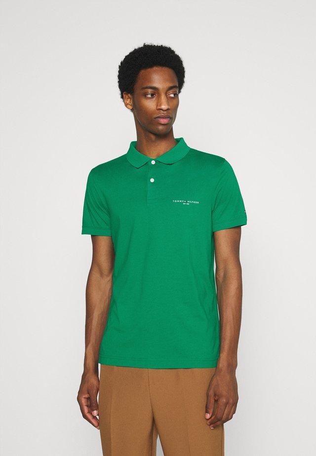 CLEAN SLIM - Poloshirt - courtside green