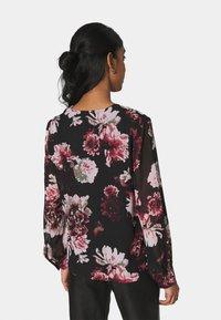 ONLY - ONLTILLY  VNECK - Long sleeved top - black - 2