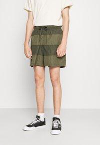Nike Sportswear - Shorts - medium olive/khaki - 0
