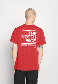 The North Face - MESSAGE TEE - T-shirt con stampa - red - 2