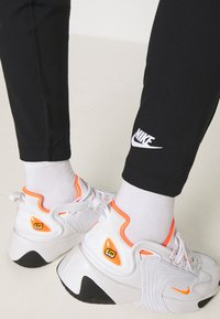 Nike Sportswear - LEGASEE ZIP - Leggings - black/white - 3