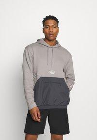 adidas Originals - ARCH HOOD - Sweatshirts - dove grey/solid grey - 0