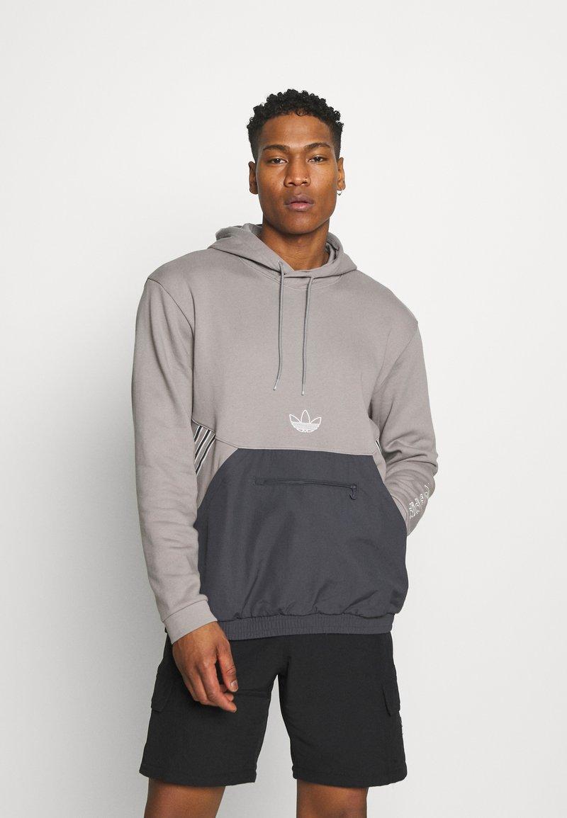 adidas Originals - ARCH HOOD - Sweatshirts - dove grey/solid grey