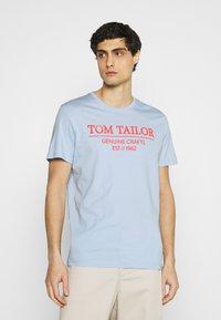 TOM TAILOR - Print T-shirt - light metal blue - 0