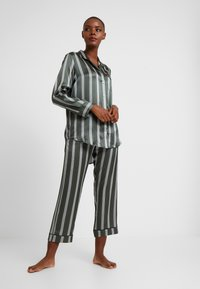 ASCENO - SLEEP - Pyjama top - olive stripe - 1
