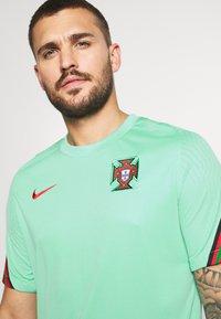 Nike Performance - PORTUGAL - Klubtrøjer - mint/sport red - 3