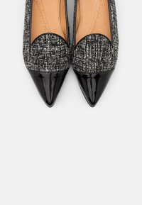 Chatelles - POINTY - Slip-ons - black - 6
