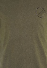 Pier One - Print T-shirt - olive, dark grey - 6