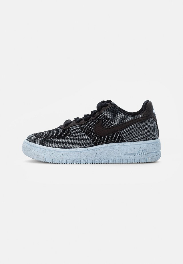 AIR FORCE 1 CRATER FLYKNIT UNISEX - Sneakersy niskie - black/black-chambray blue